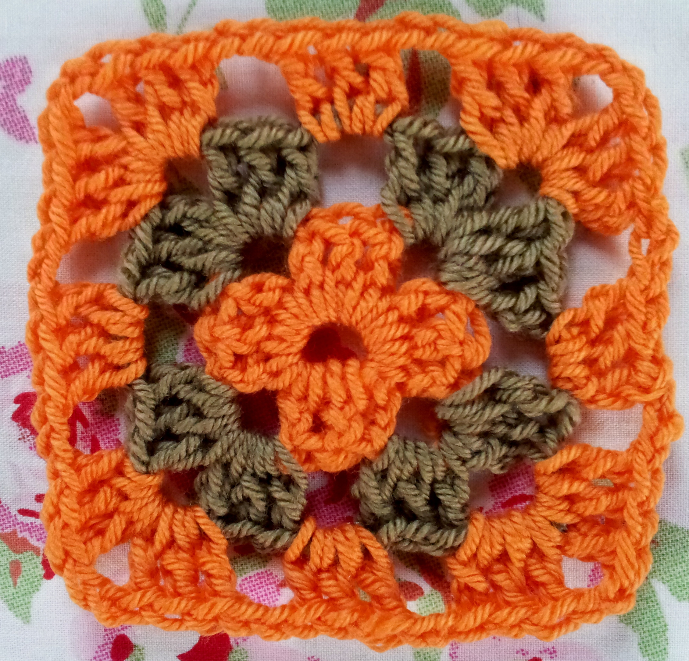 Crochet Easy Granny Square Patterns : The Infamous Granny Square thestitchsharer