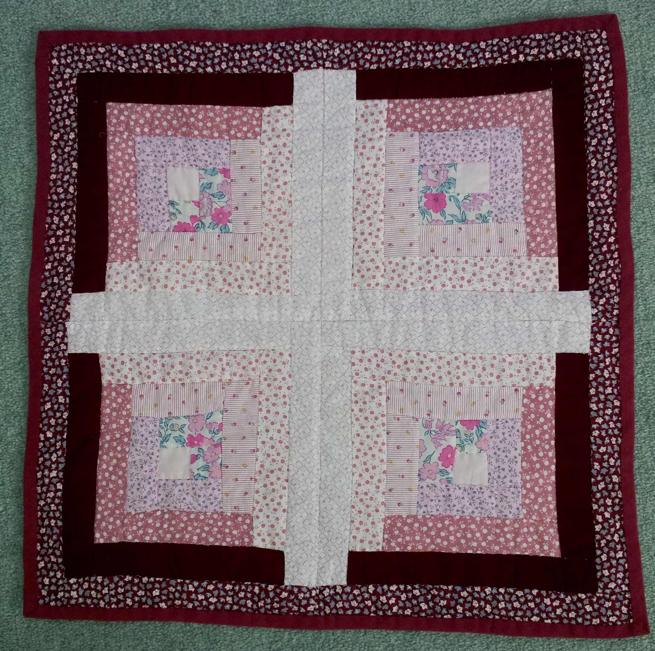 Very Impressive portraiture of  quilt the only piece of patchwork I had attempted was a 'log cabin with #320E14 color and 2176x2164 pixels