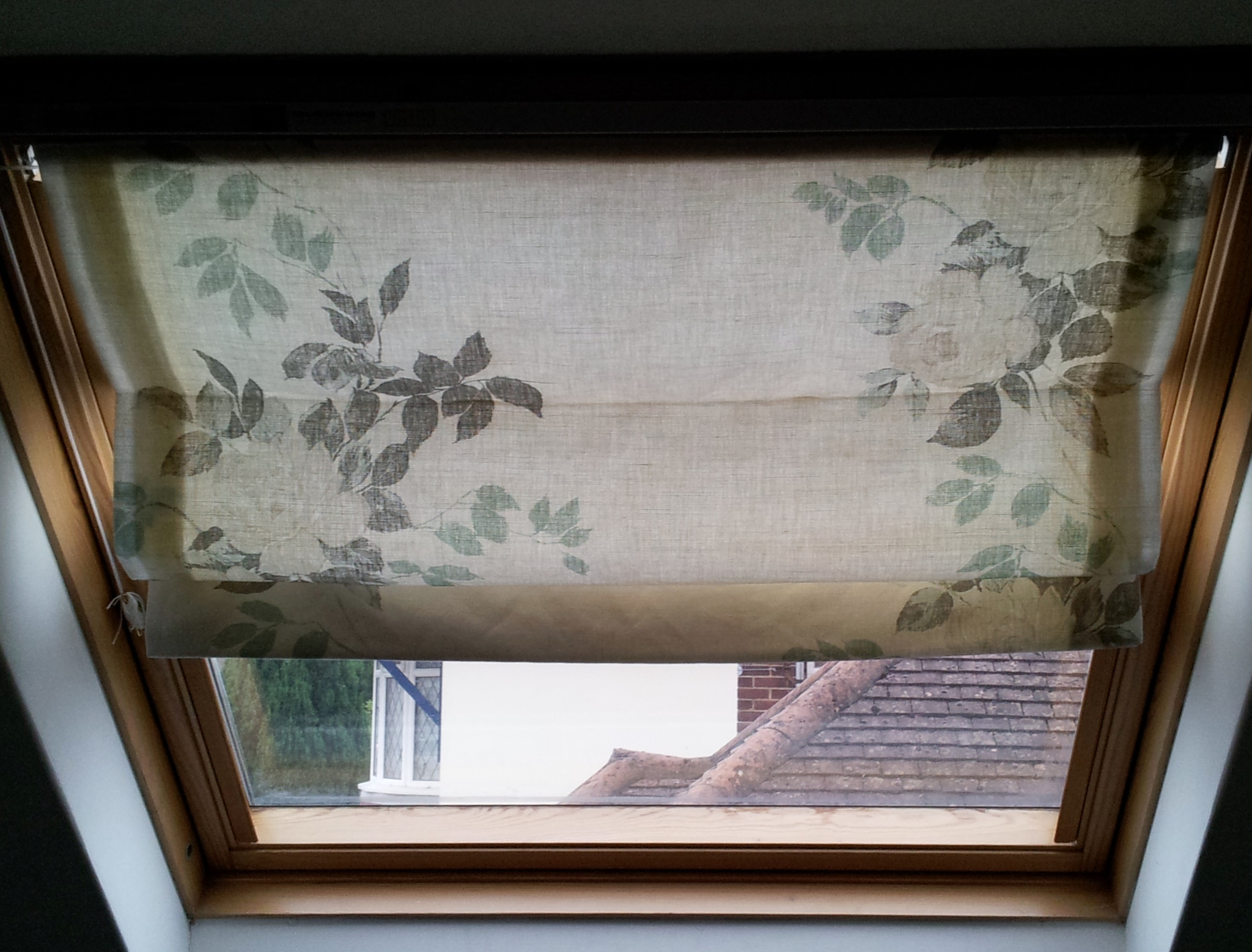 Roman blinds for velux attic windows how i made them for Shades for velux skylights
