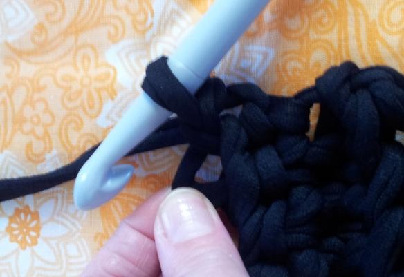 Stretching yarn