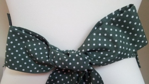 Bow on back of Mini Pinny