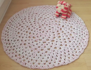 Finished Hooplayarn Grannt Dolly Rag Rug