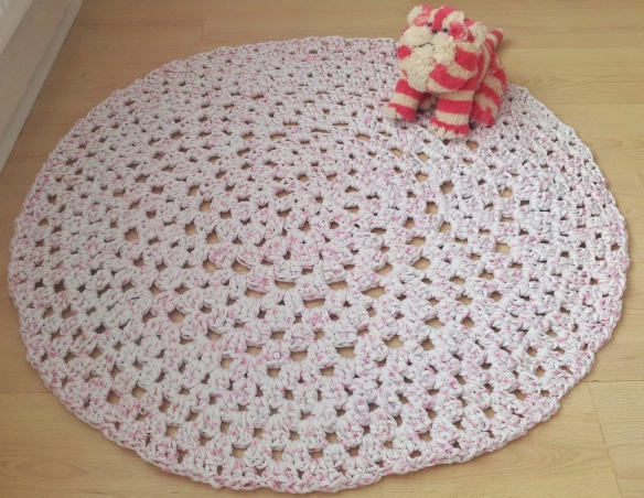 Finished Hooplayarn Grannt Dolly Rag Rug