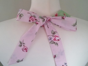 Rosy Posy Neck Tie