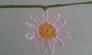 Crochet Daisy Bunting