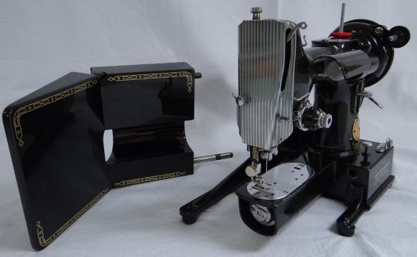 Featherweight 222K with detachable bed removed