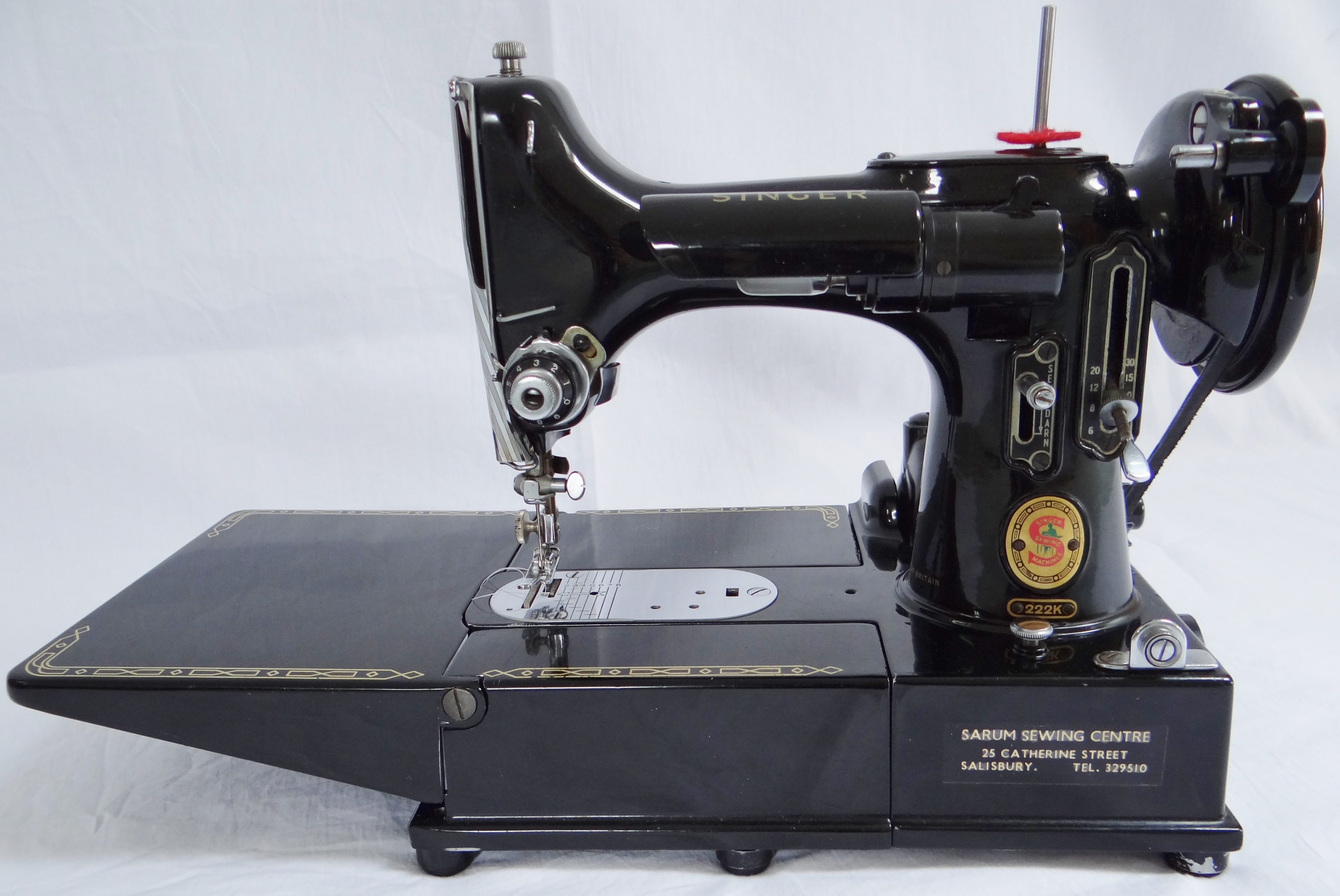 The Singer Featherweight 222K – Simply a Sewing Sensation ...