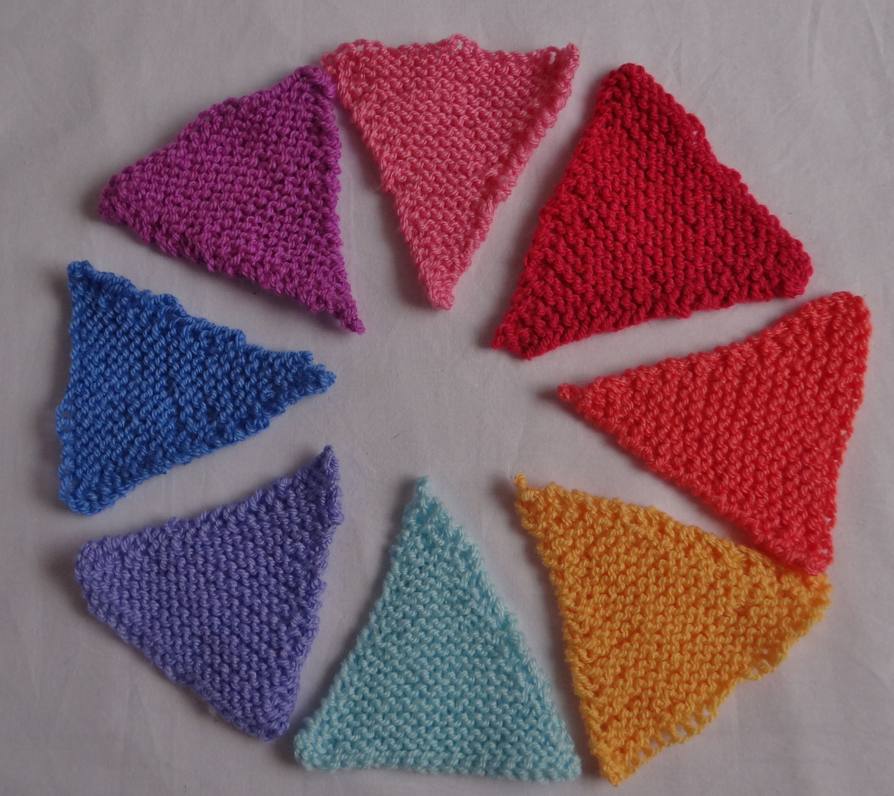 Crochet & Knitted Bunting thestitchsharer