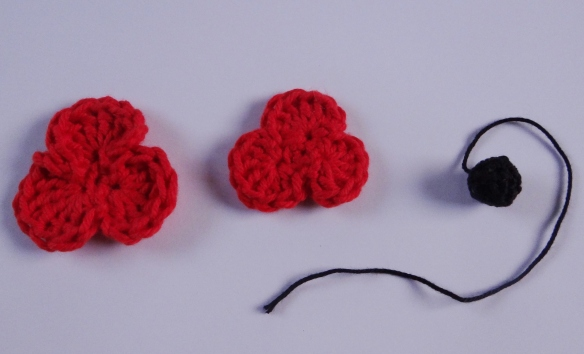 Making of a crochet poppy