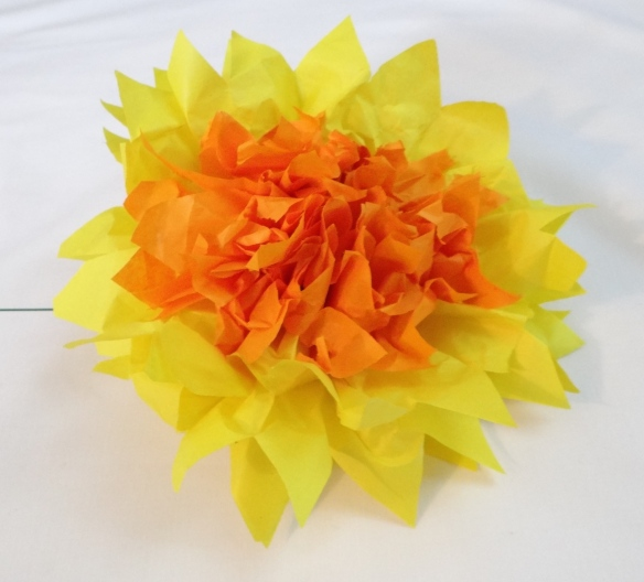 unfolding the paper daffodil the stitch sharer