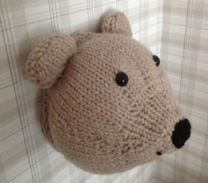 Mini the knitted faux taxidermy bear Sincerely Louise workshop make