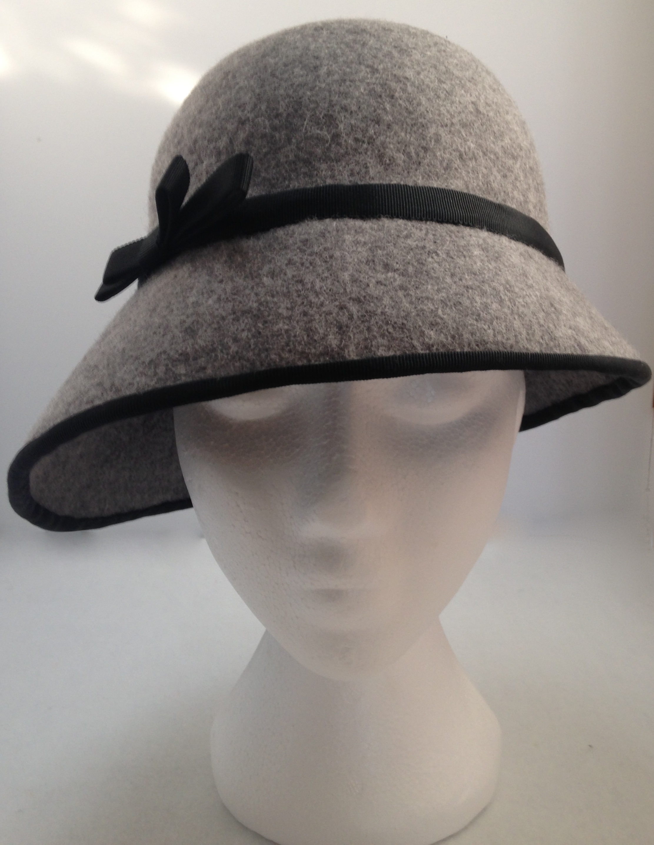 A Step by Step Guide to Making a Felt Cloche Hat ...